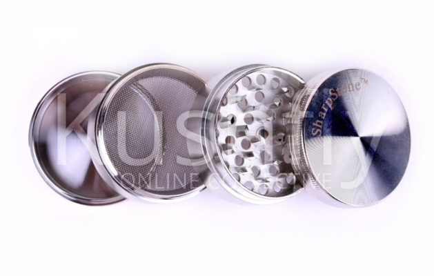 A Step By Step Guide On How To Clean Your Grinder