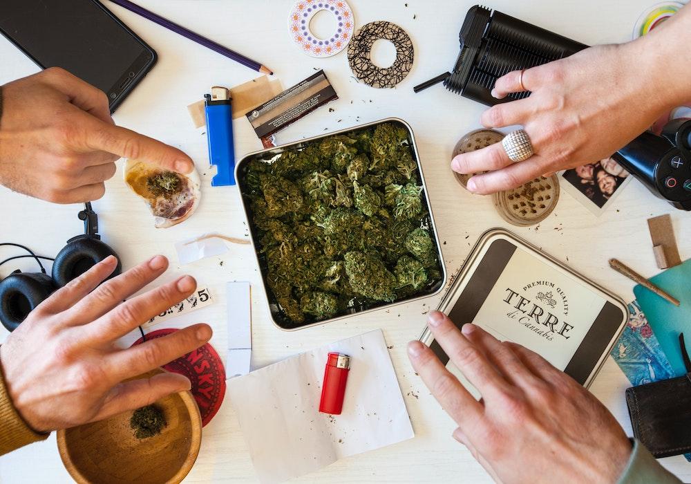 Let's-Talk-About-Proper-Cannabis-Etiquette